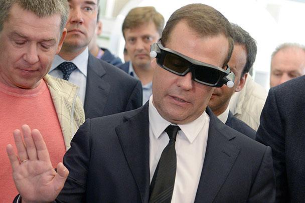 Рубль вернется к нормальным уровням, заверил премьер Дмитрий Медведев