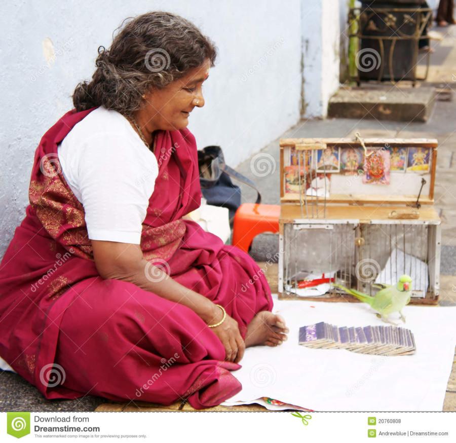 indian-fortune-teller-20760808