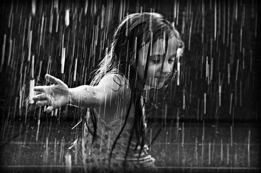 front_ddt_rain_children