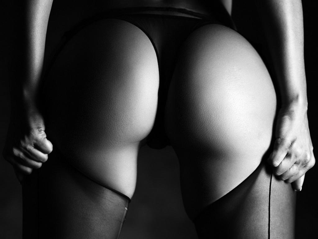 Черно-белые фото девушек
