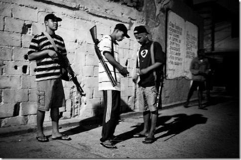 Город Бога или Рио-Де-Жанейро в черных штанах 26