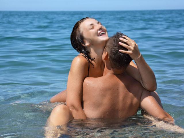 Видео групповой секс на пляже в израиле