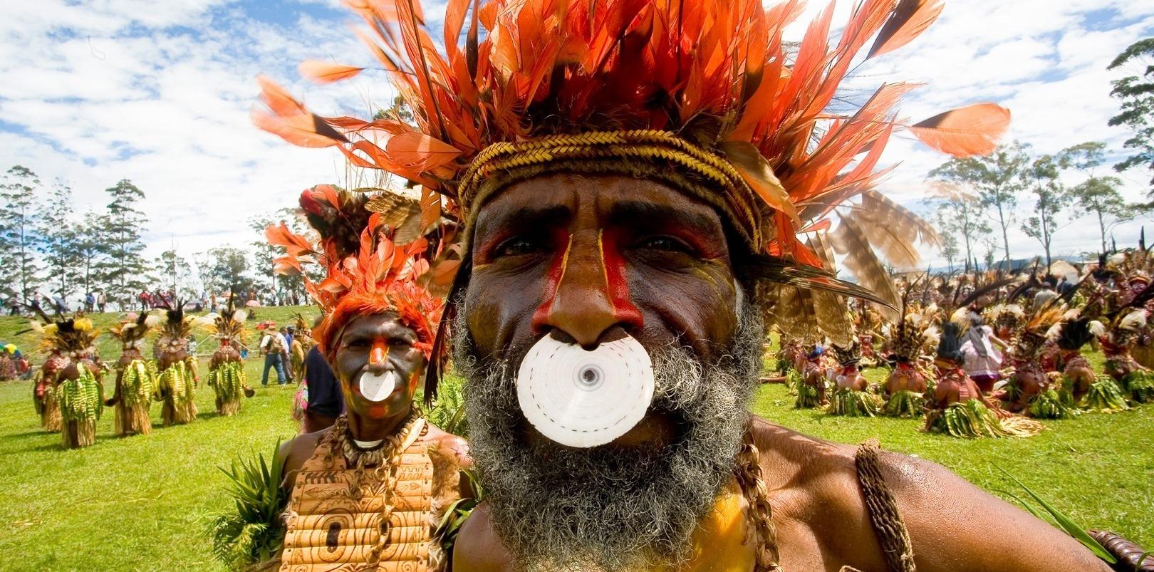Каннибалы из Новой Гвинеи