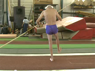 401843-90-year-old-pole-vaulter