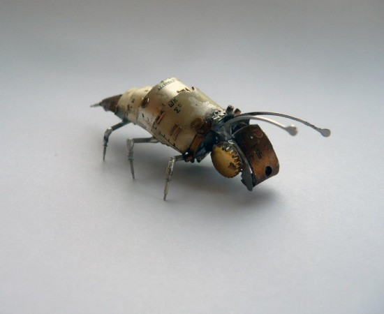 mechanical-bug-550x450