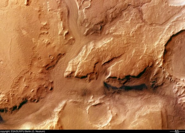 Reull_Vallis_in_colour_node_full_image