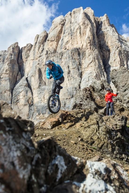 extreme-mountain-unicycling2-550x825
