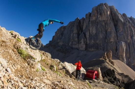 extreme-mountain-unicycling4-550x365