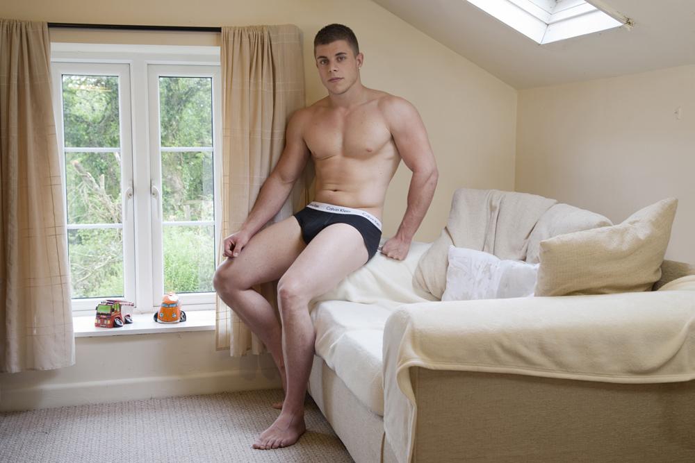 07-Jason-19-yrs-Body-Builder