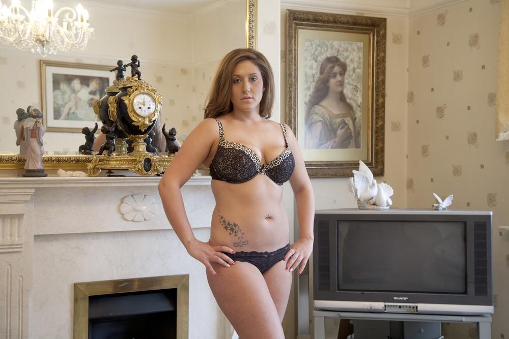 018-Saraya-20-yrs-Full-body-liposuction-and-lip-fillers-at-18