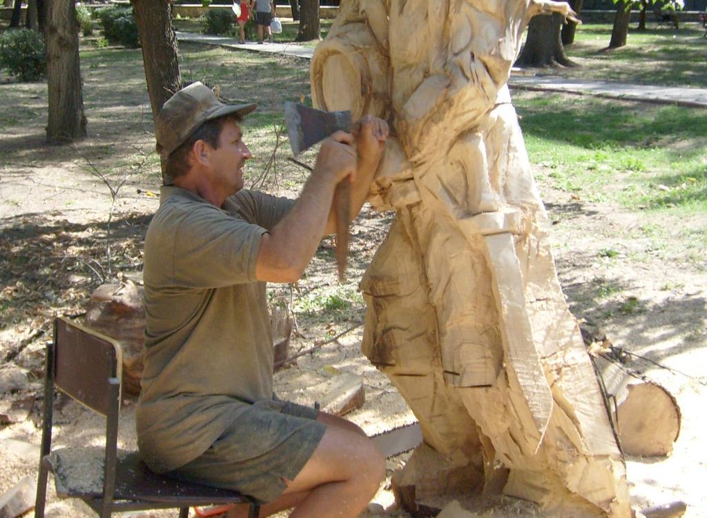 nushno-uchitsya-u-natury_skulptor-igor-dsheknovarov_1_2012-08-27-11-32-41