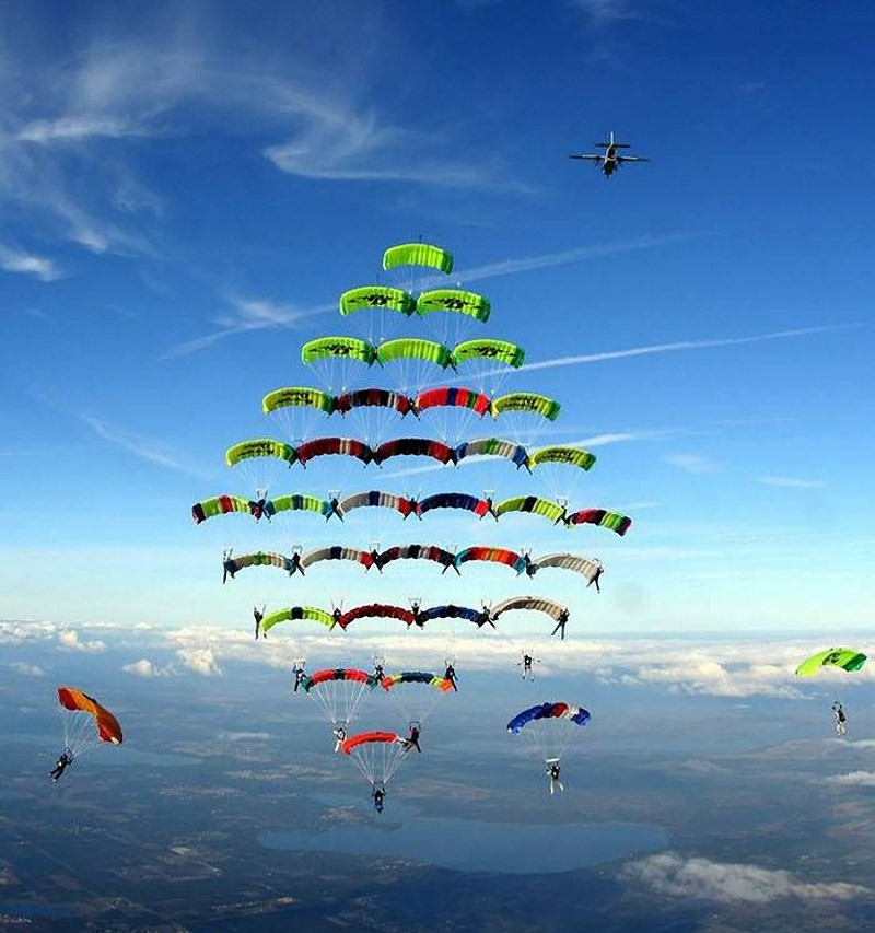 parachutes01