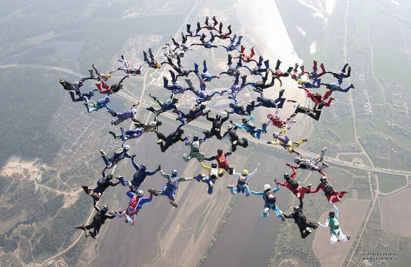 parachutes07