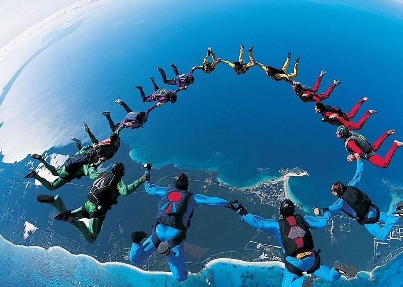 parachutes10