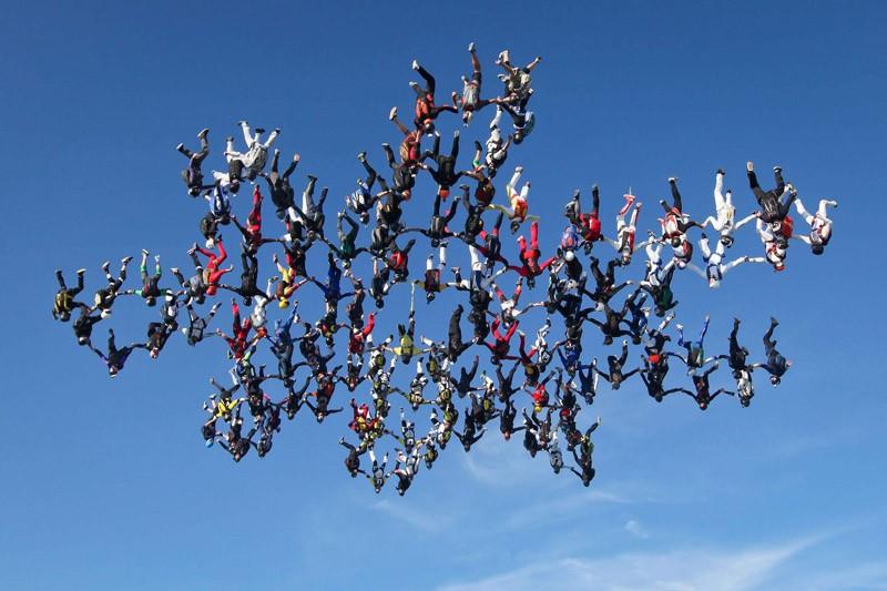 parachutes12