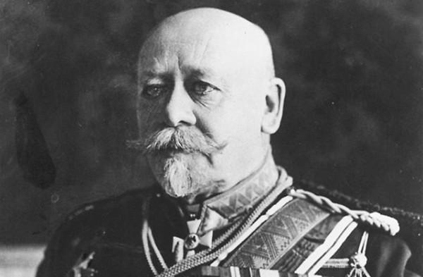 Сухомлинов