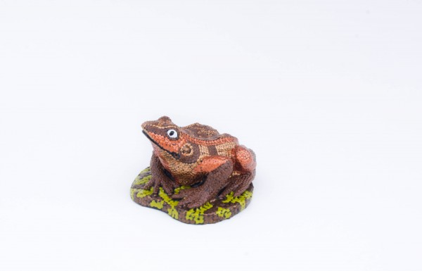 hand-painted-ceramic-figurine-frog-brown