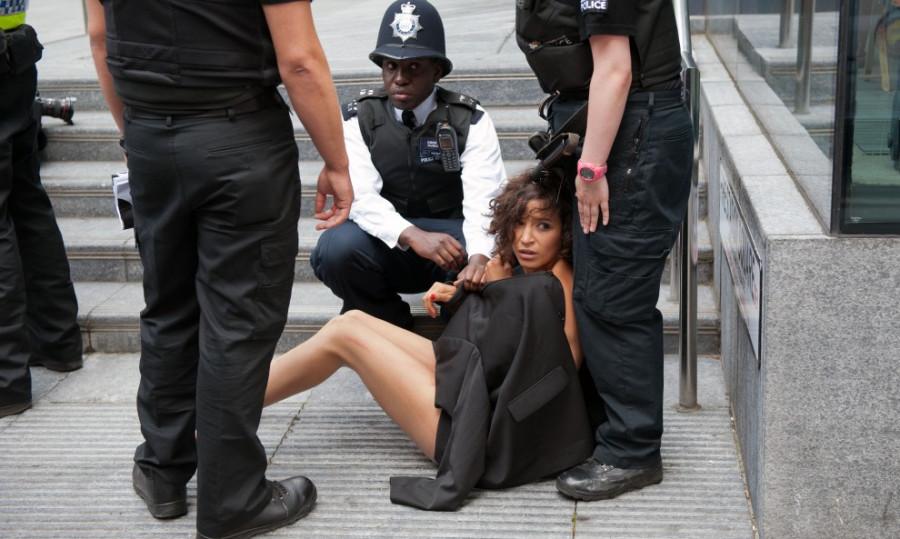 порно насилуют шлюх фото