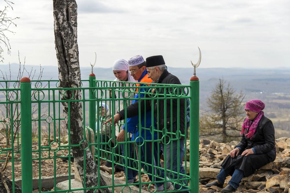 Оградка могилы святого Аулия