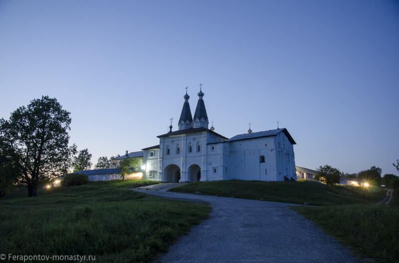 Канун памяти преподобного Ферапонта Белоезерского. Белые ночи. Прогулка вокруг Ферапонтова монастыря.