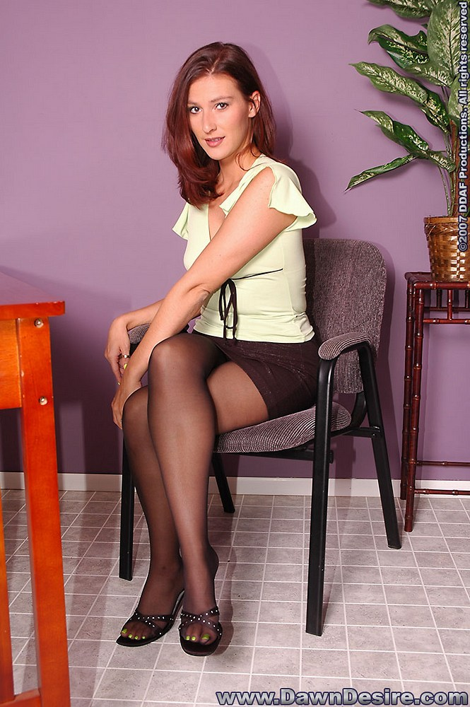 dawn-desire-pantyhose-passion-1