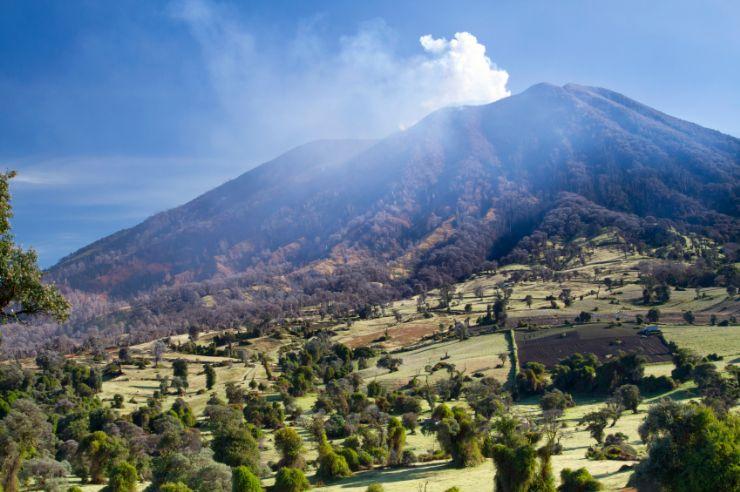 full-turrialba-volcano-erupting(1)