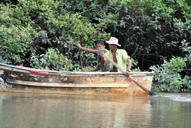 приснилось по реке на лодке
