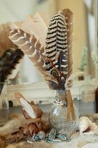 перья светлые