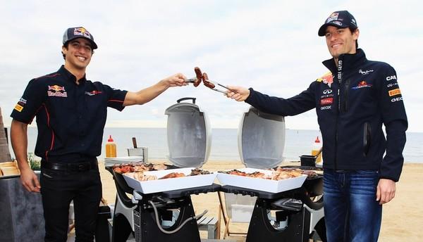 Aussie_BBQ_Ricciardo_Webber_cheer_aus11