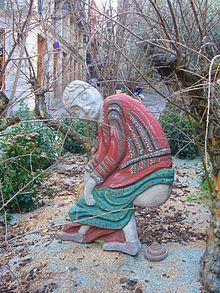 220px-Pessebre_a_la_plaça_de_Sant_Jaume_-_caganer