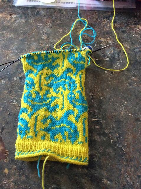 lizard socks yellow