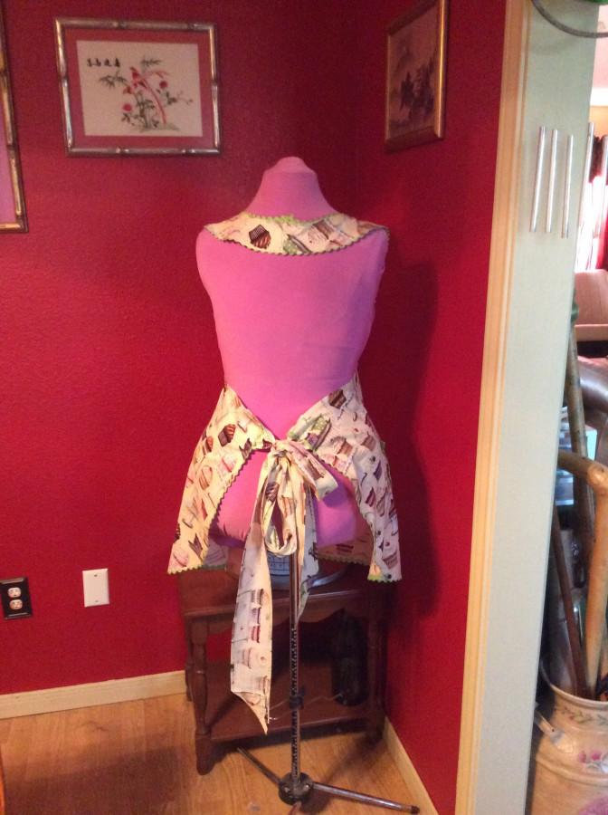 2016 cupcake apron back