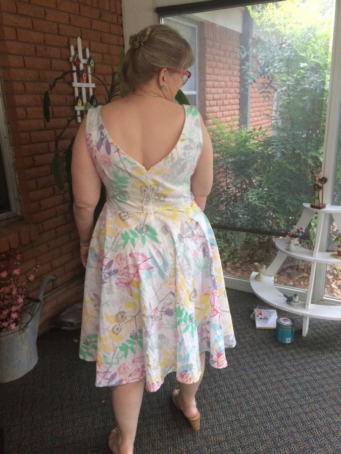 Betty dress back
