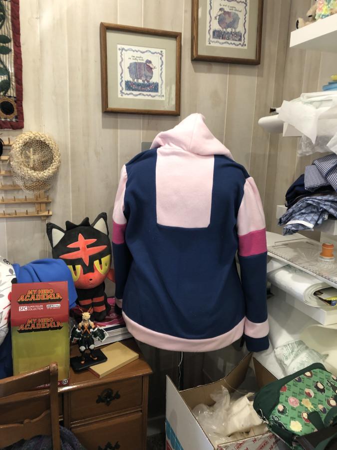 hoodie - Uraraka back