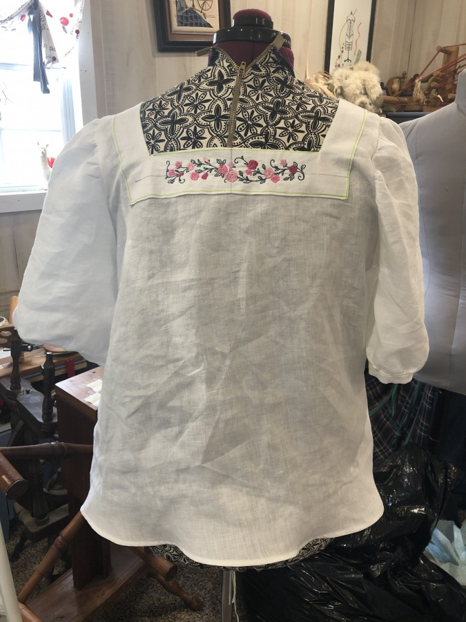 Clementine Roses top back