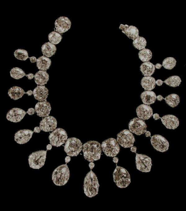 6 - бриллиантовое ожерелье с 15 подвесками.jpg