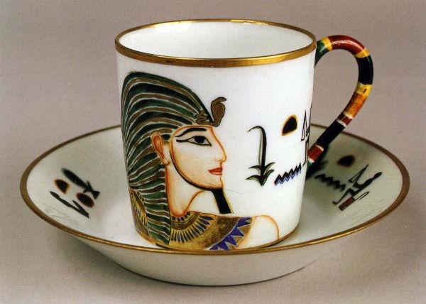 31-Щекатихина-Потоцкая - Чашка с блюдцем Фараоны - 1923.jpg