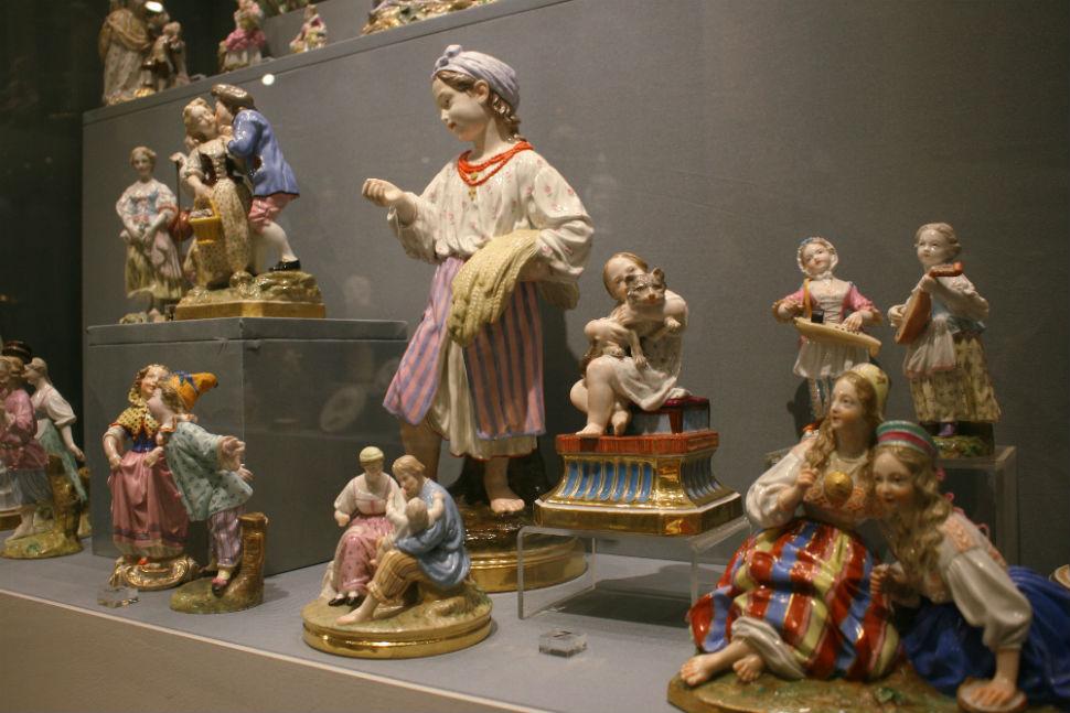 3-Скульптуры по моделям Августа Шписа - Императорский фарфоровый завод - 3-я четверть 19 века.jpg