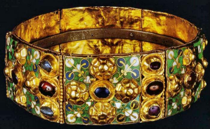 1-Железная корона Королевства лангобардов (по-итальянски Corona Ferrea).jpg