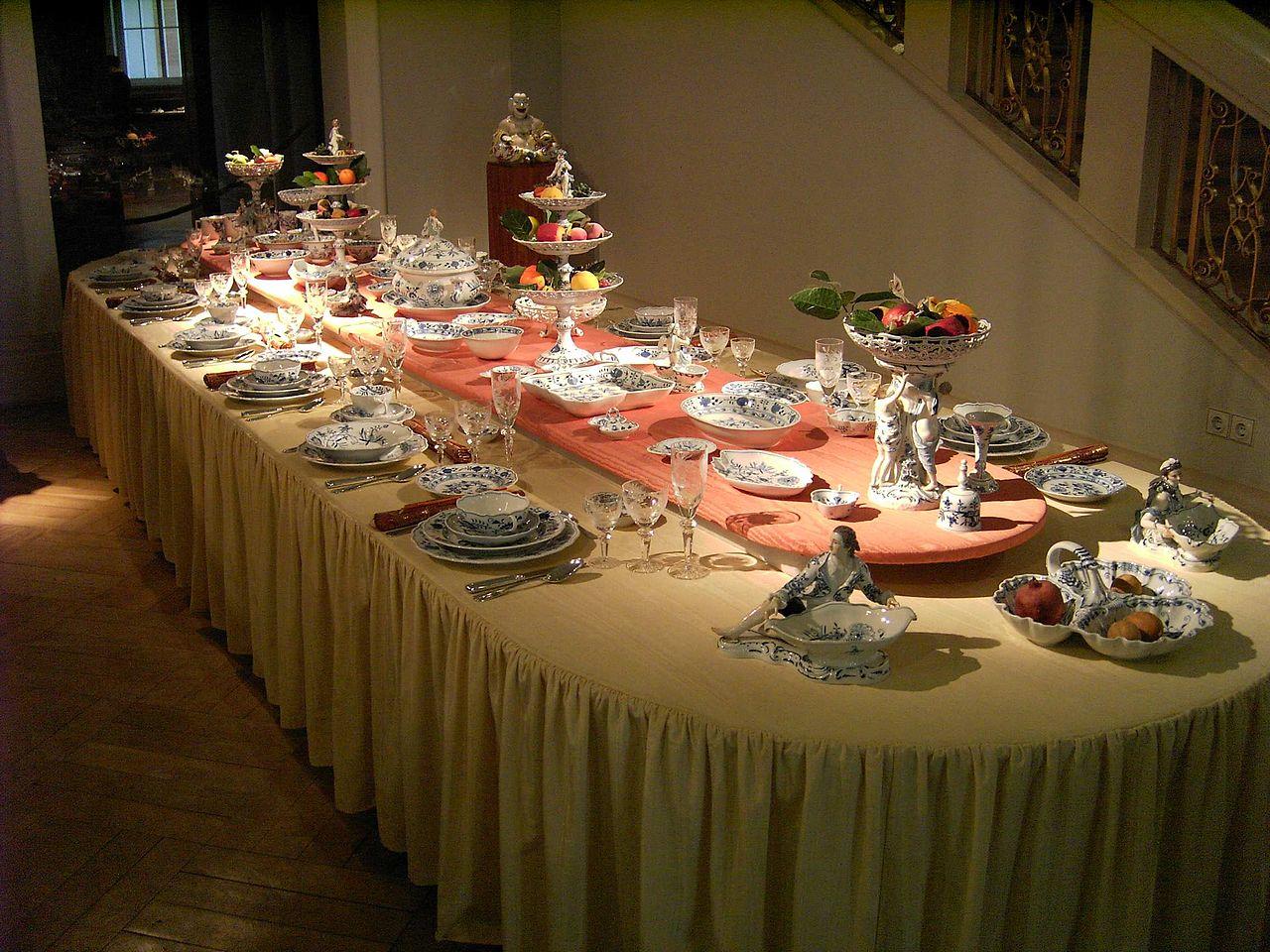 Meissen-Porcelain-Table.JPG