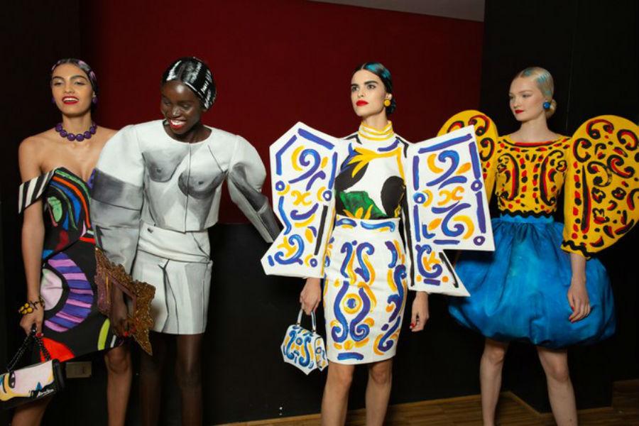 За кулисами на показе Moschino SS20 во время Миланской недели моды в четверг 19 сентября 2019 года -  Снимок предоставлен Serichai Traipoom для журна…