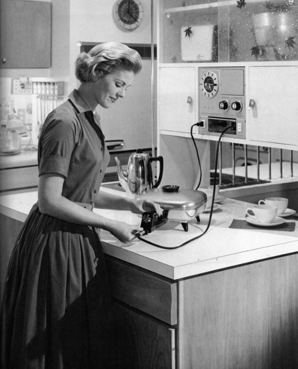 1950-е - домашняя хозяйка.jpg