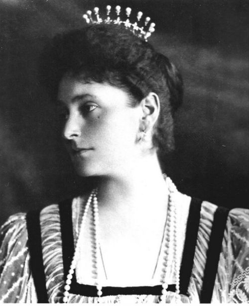2 - Императрица Александра Фёдоровна в диадеие.jpg