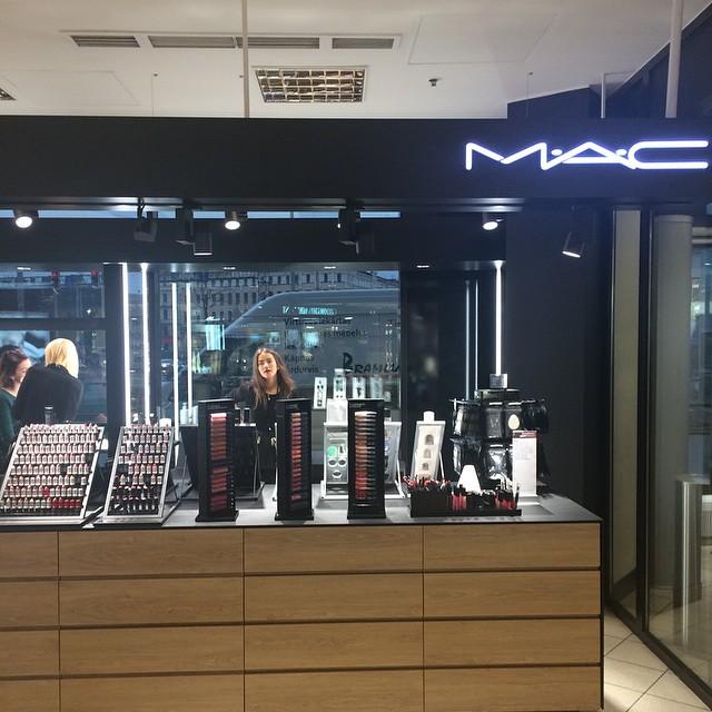 Mac косметика рига