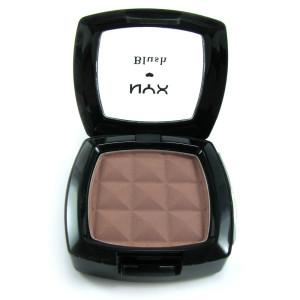 1064_obzor-rumyan-nyx-powder-blush-taupe