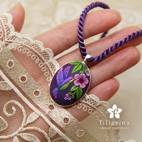 2015_02_Colibri_Purple-Green_Pendant1