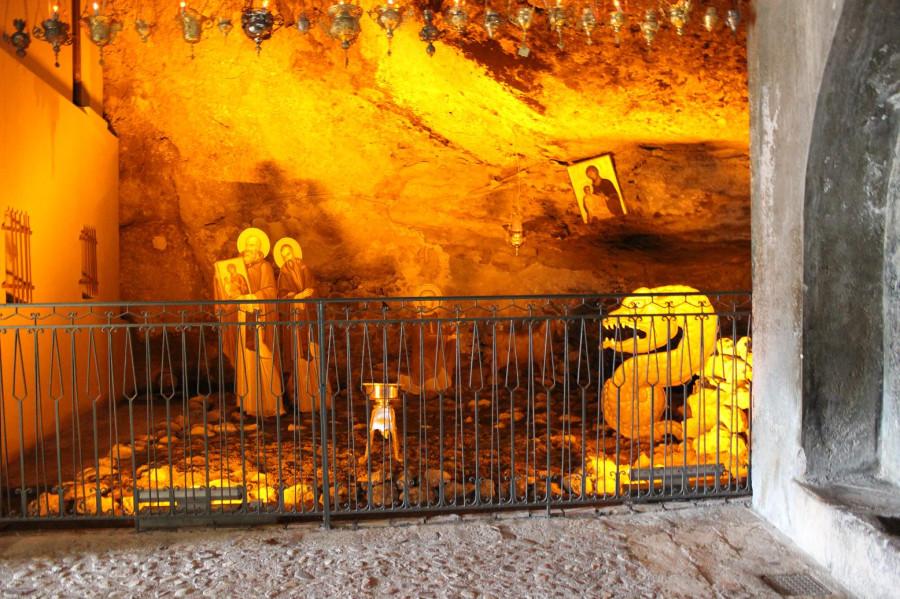 мега спилио в пещере место обретения иконы