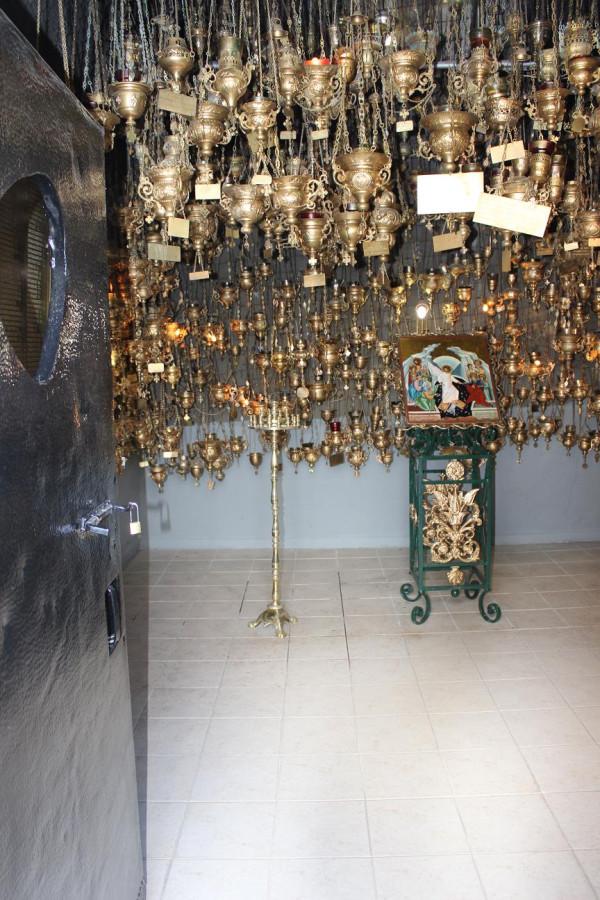 калаврита мемориал лампады 1