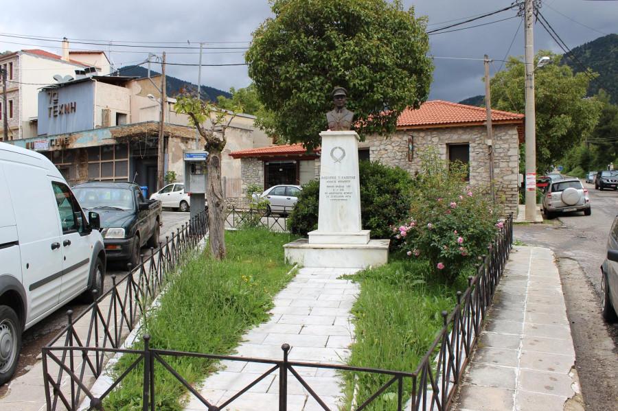 калаврита памятник механику
