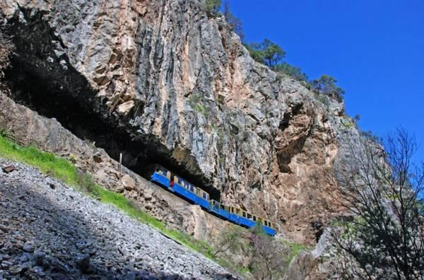 калаврита поезд в горах